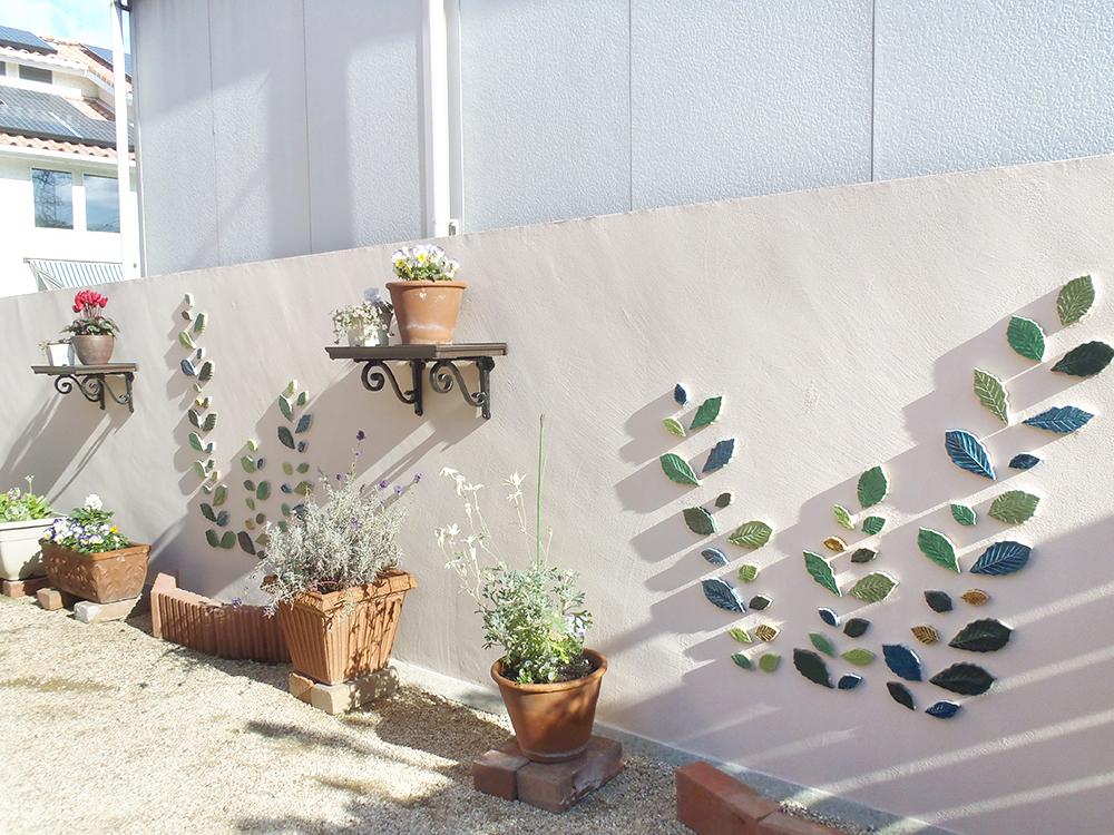 外構リフォームで駐車スペース増設と可愛いタイルで飾るお庭